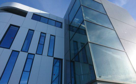 Façade vitrée pour Bleu mercure à Plérin - Renouard