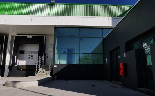Façade vitrée pour Réseau Le Saint à Couëron - Renouard