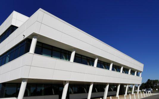 Menuiseries aluminium pour Réseau Le Saint Couëron - Renouard