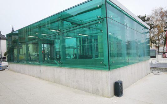 Verrière extérieure de la station Mabilais à Rennes | Renouard