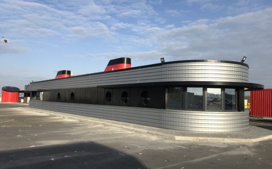 Menuiseries aluminium pour Delanchy Transports - Renouard